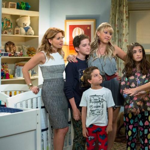 Still Photos Of Fuller House Are Finally Here!