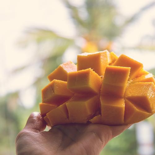 Is Bianca's Mango Eating Method Crazy Or Genius?