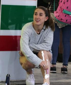 Pj Shaves Her Legs In Front Of Melbourne Commuters