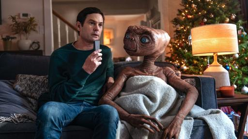 ET Reunites With Elliot In This Epic Christmas Ad