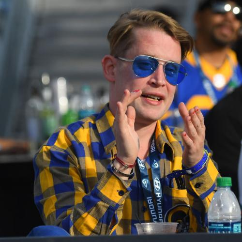 Macaulay Culkin Is Back! Signing Up To American Horror Story and He Fits the Cast Perfectly!