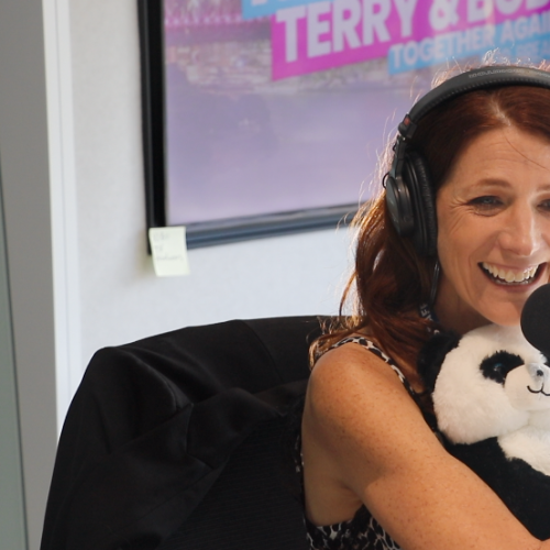 Robin's Special Talking Panda Will Make Your Day!