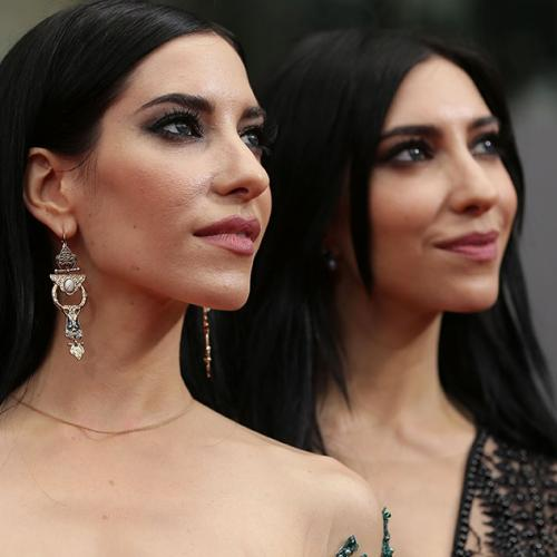 The Veronicas On Being Inspired By Their Mum's Strength As She Battles Dementia