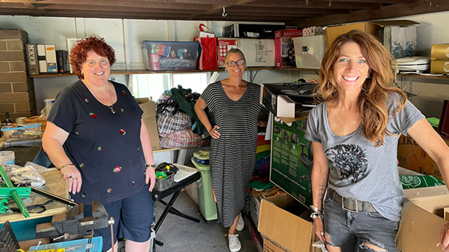 Robin & Sonia's Decluttering Session Winner, Fiona Turns Her Life Around In One Afternoon!