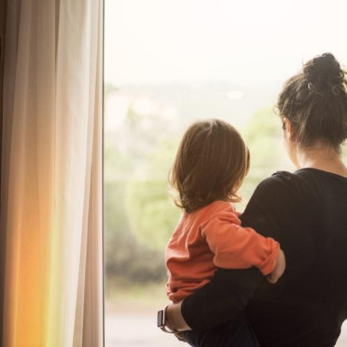 You Won't Believe How This Mum Used Her Kid To Flirt!
