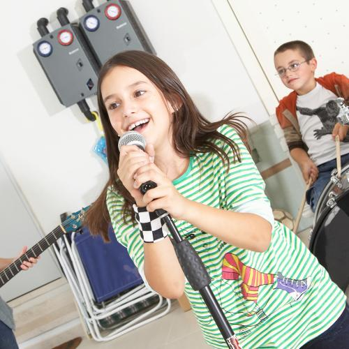 We Want To Know: Are There Enough Talented Youngsters In Brisbane To Start A Band?