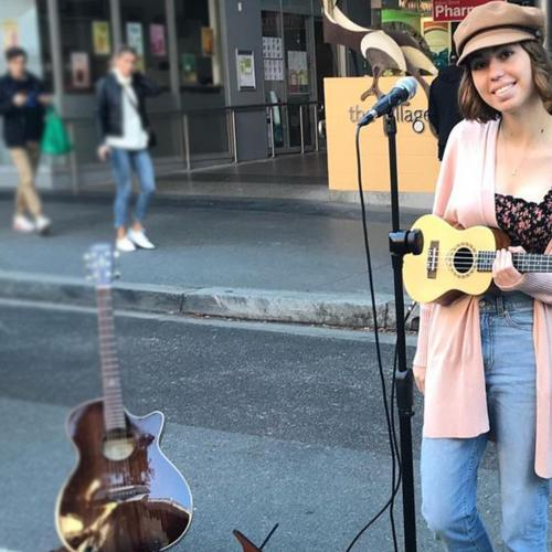 We Meet The Incredible 16-Year-Old Georgia Who Travels The Streets Of Brisbane Busking!